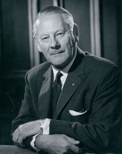 Scots Old Boy and Business Leader Sir Walter Norwood